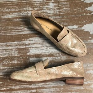 Lucky Brand Chennie Loafer in Gold Sz 7